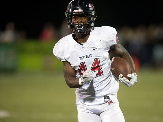 Maryville's Tee Hodge gets room to run against Alcoa
