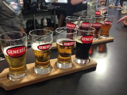 635707576611421107-4.-Beer-Flight