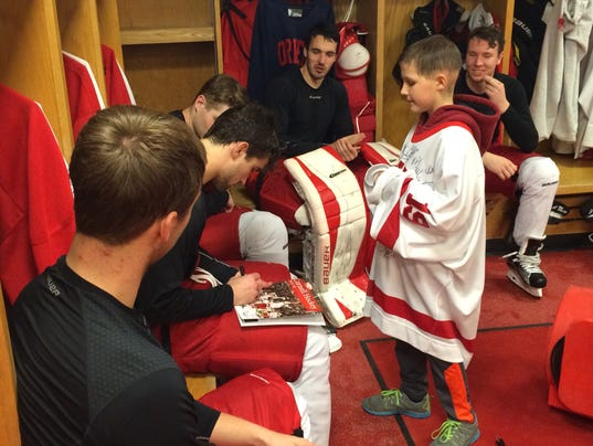 20151110_Cornell_hockey_locker