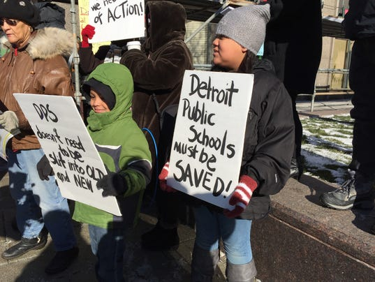 Detroit teachers rally