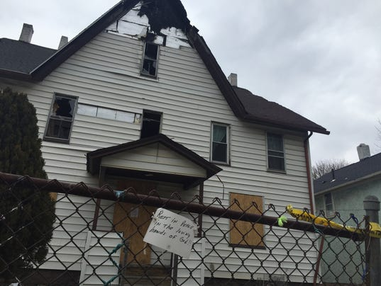 635927004538357025-arson-house.JPG