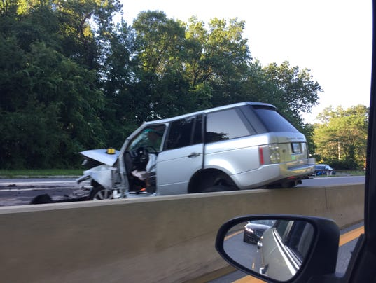Ct Driver In Wrong Way On Hutchinson River Parkway Id D By