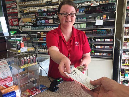 Powerball lottery rises to $700 million