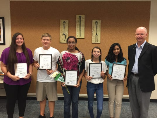 636428142823090627-students-of-month-with-jeff-slade-92017.jpg