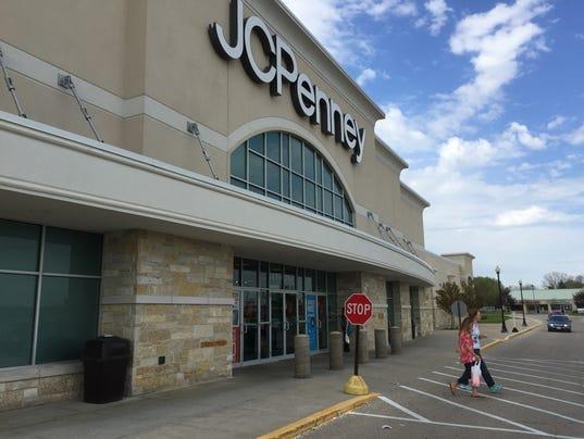 636451478514104828-JC-Penney-store-Menomonee-Falls-2017.JPG
