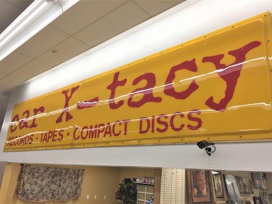 636543008404521884-ear-X-tacy-sign.JPG