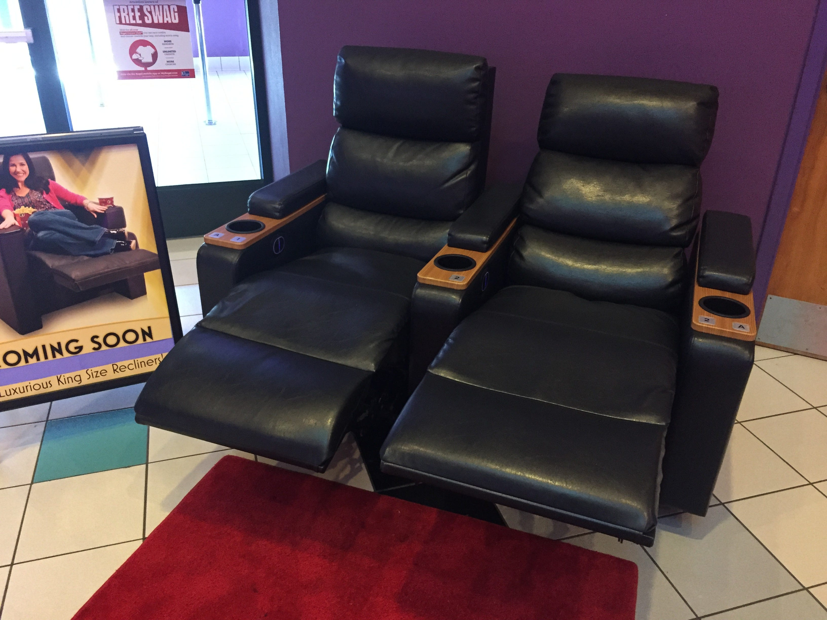 636299336266646338-recliners.JPG & Luxury recliners reserved seating coming to Regal Green Hills theater islam-shia.org