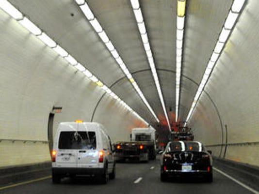 635868975303245682-tunnel.jpg