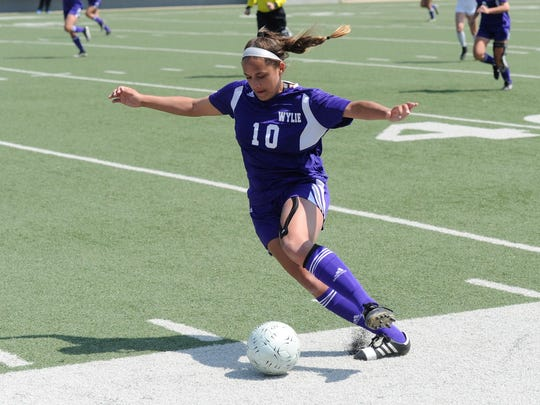 Wylie's Randie Dennison (10) looks to make a play during