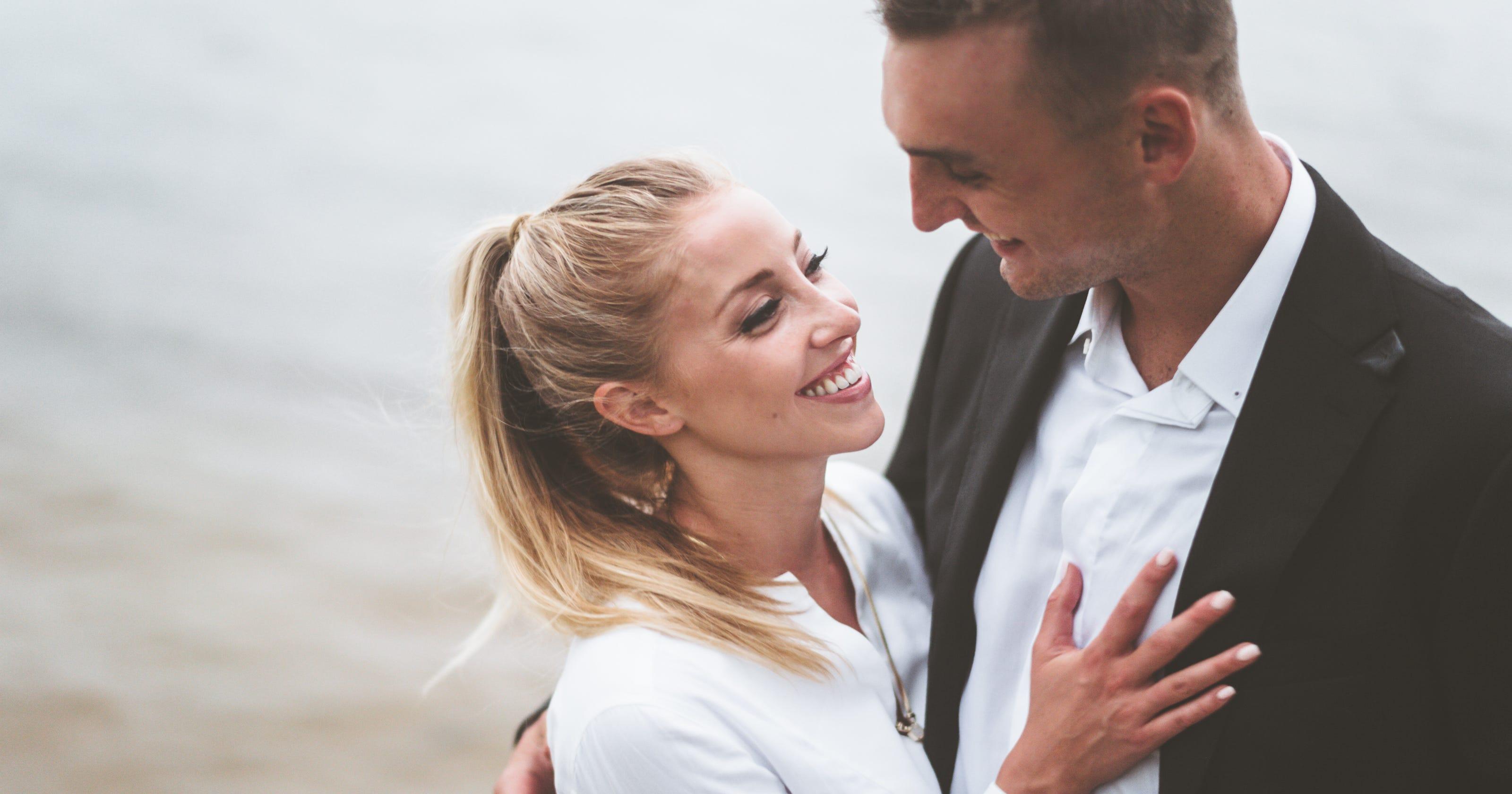 100% authentic 57fbe dea6e UW star Sam Dekker married to ESPN's Olivia Harlan in Door ...