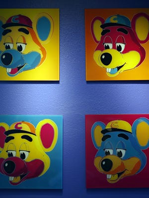 Chuck E. Cheese pizzeria is filing for bankruptcy protection.