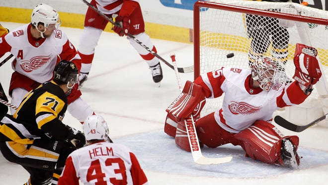 Red Wings forward Darren Helm was injured in the third period in Pittsburgh on Saturday.
