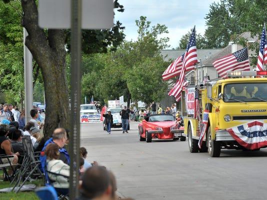 WDH 0902 Parade.jpg
