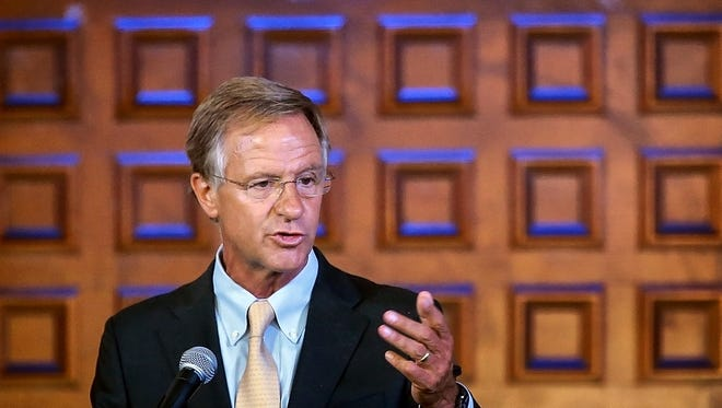 Tennessee Gov Bill Haslam says that tourists spent a record $19.3 billion in Tennessee in 2016, including $3.3 billion in Memphis and Shelby County during remarks at the Memphis Music Hall of Fame induction announcements at Clayborn Temple Tuesday afternoon.