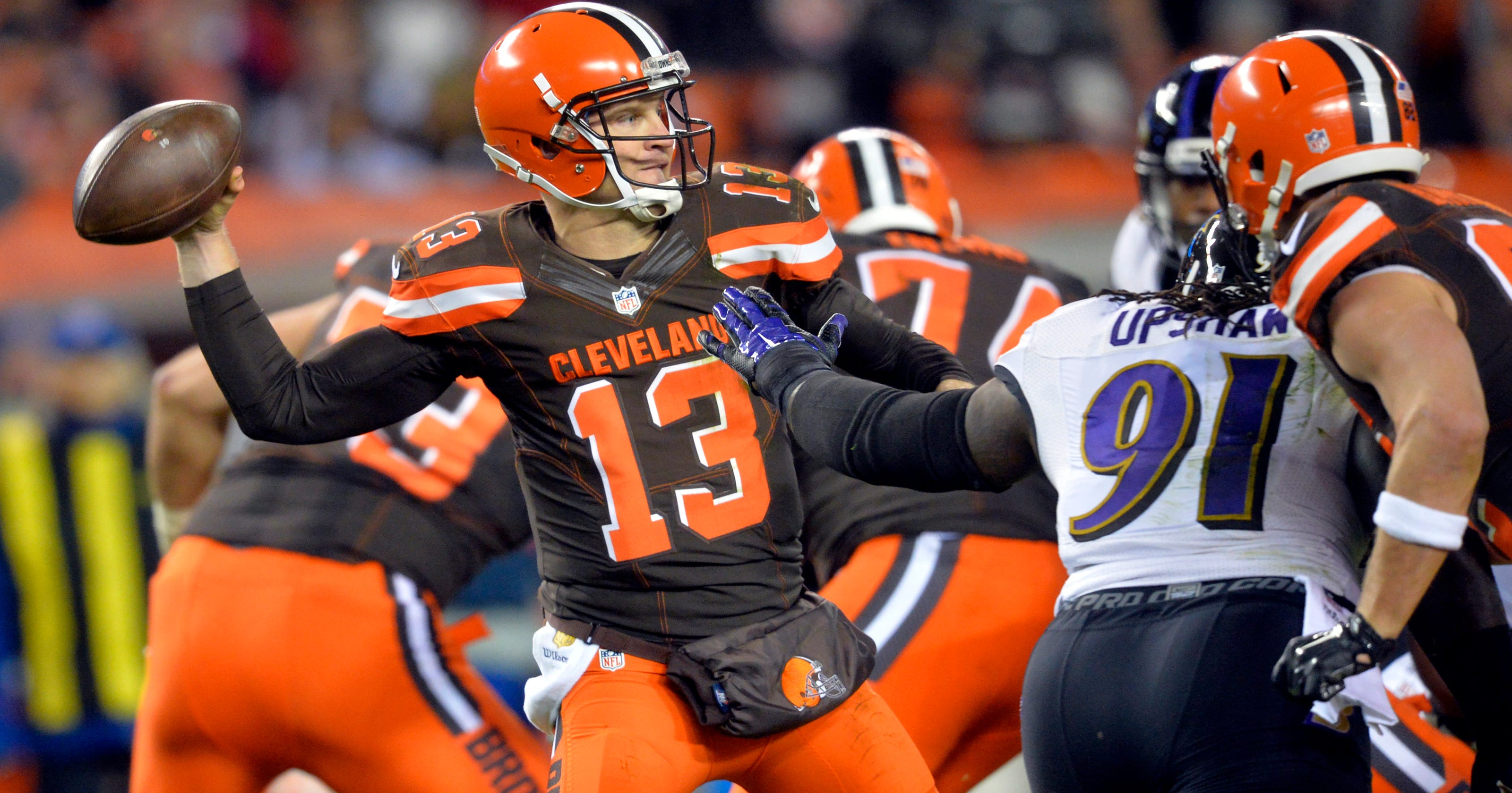 abac895e8a2 Browns' Josh McCown done for season with broken collarbone