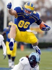 Delaware tight end Nick Boyle vaults would-be Rhode