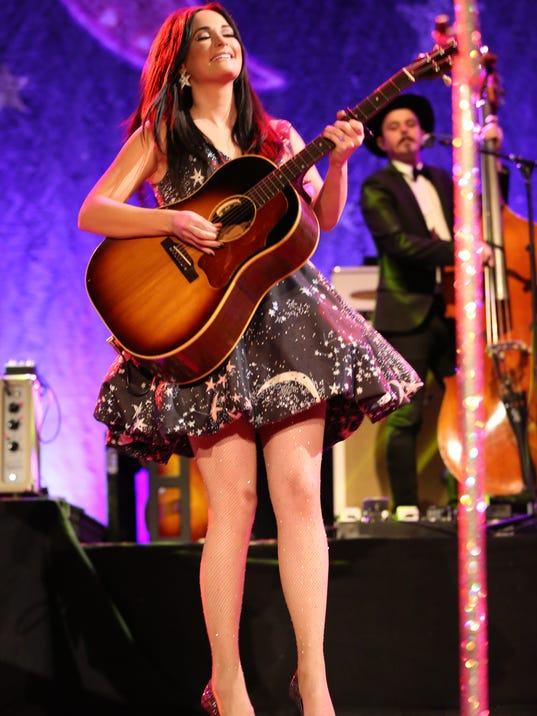 636576742999909333-Kacey-Musgraves-NYE-12.31.16-8-of-10-.JPG
