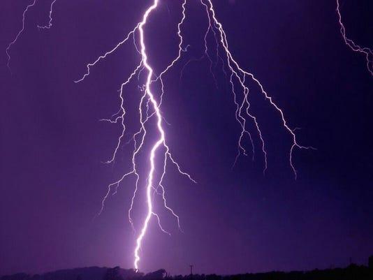 Weather_Lightning_Endplay.jpg