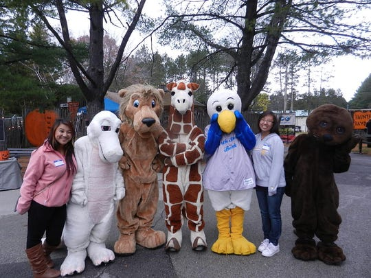 The NEW Zoo & Adventure Park is looking for volunteers for North Shore Bank Zoo Boo 2014.