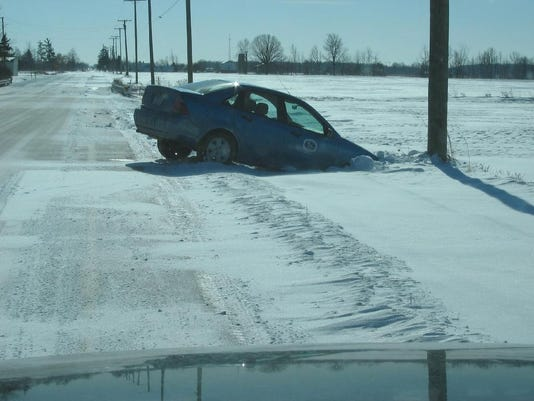 -car in ditch.JPG_20080128.jpg