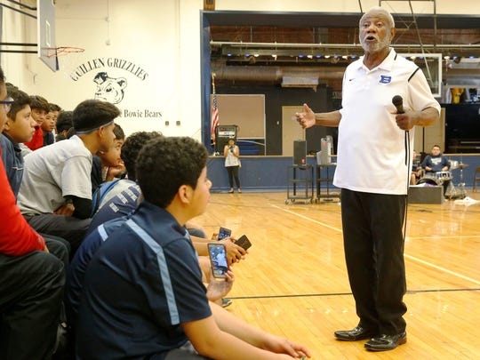 Nolan Richardson, the 2017 Father Rahm Segundo Barrio Person of the Year and a Naismith Hall of Fame basketball coach, discusses the importance of education at Guillen Middle School.