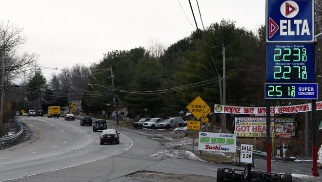 A sign on Route 23 north alerts motorists of upcoming S curves. The Department of Transportation plans to improve conditions by closing down a U-turn and reworking the roadway.
