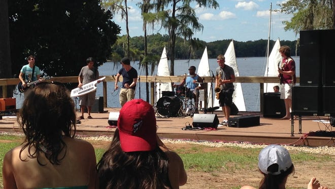 Students enjoyed warm weather and relaxing tunes at Rez Fest 2105.