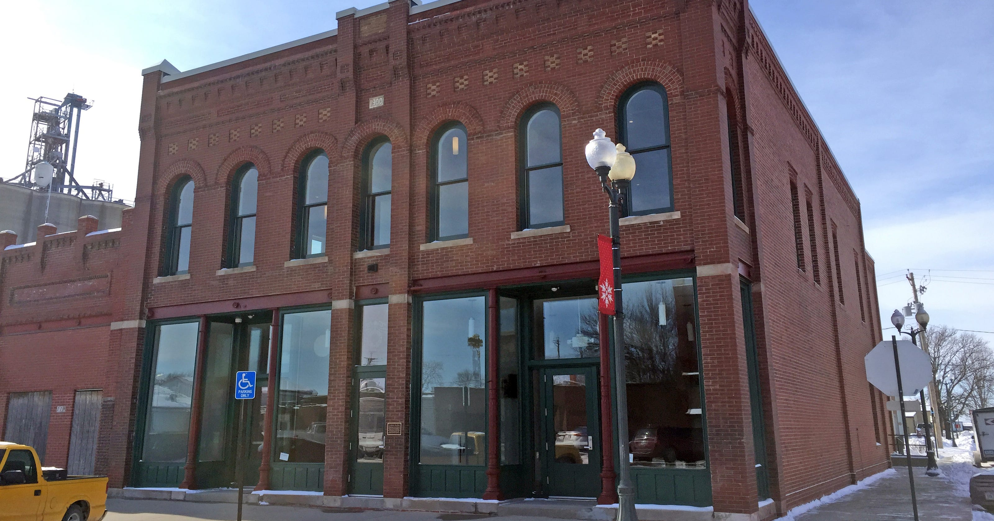 Small towns new crown jewel is ready to lure the city to rural iowa