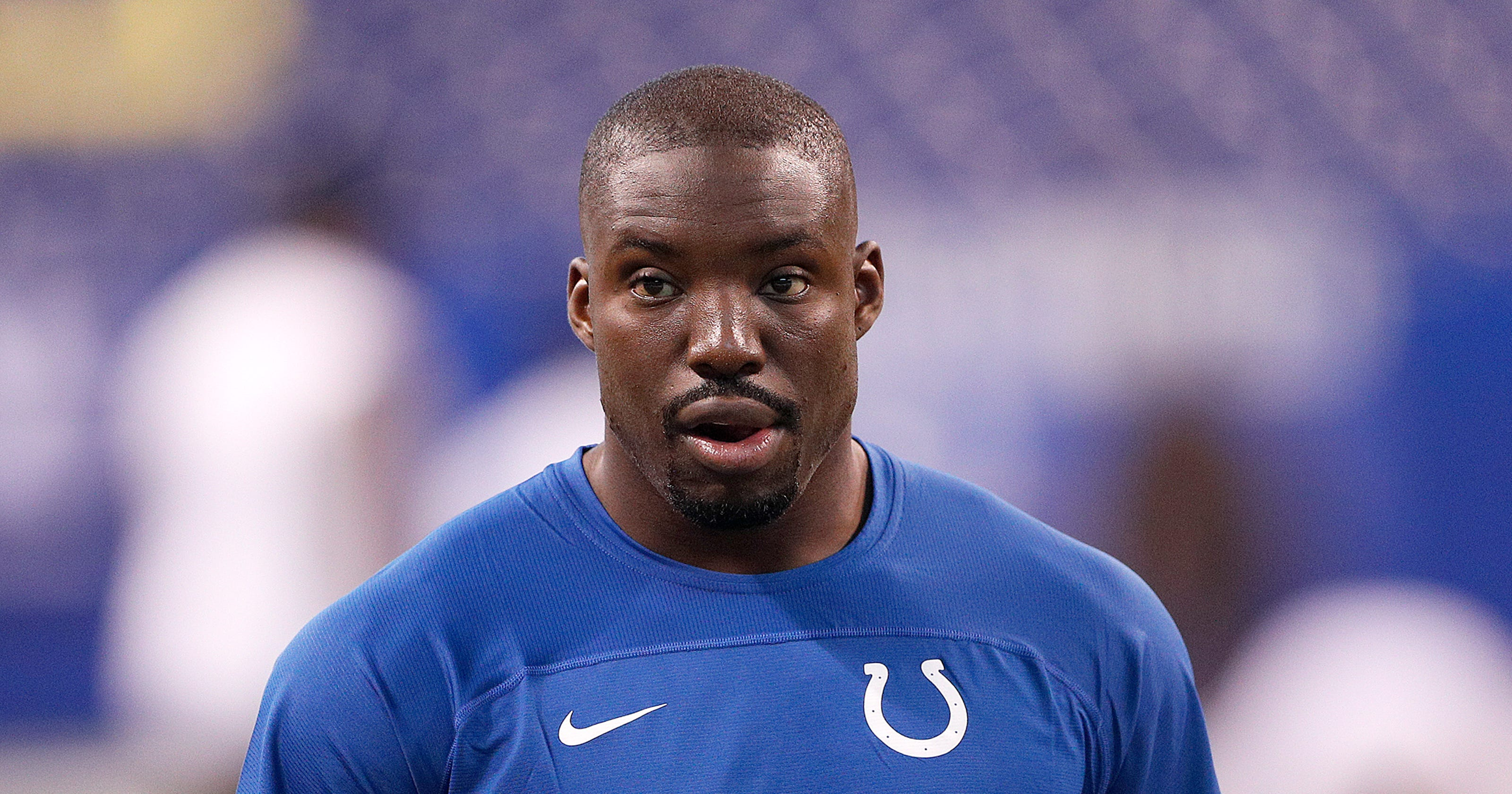 Former Indianapolis Colts cornerback Vontae Davis leaves Buffalo Bills game  early b1935540d