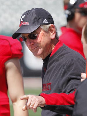 Tommy Tuberville is 18-8 in two UC seasons.
