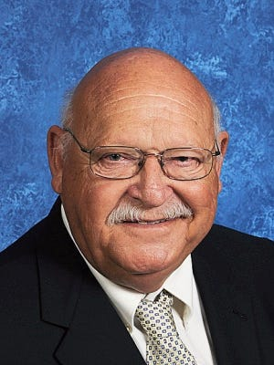 Doug Langston, a former Williamson County commissioner, died on Friday. He was remembered as a caring and thoughtful leader.