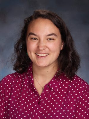 Helen Huang-Hobbs (Bedminster), who joined Pingry in 2016 to teach biology and chemistry, has received a Knowles Teaching Fellowship from the Knowles Teacher Initiative.