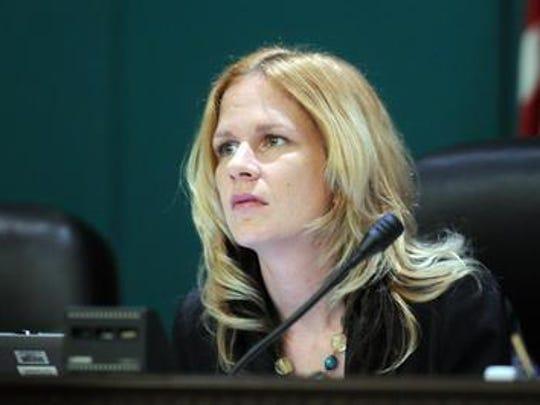 Kristine Isnardi.