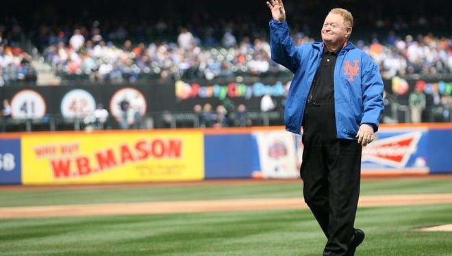 Rusty Staub throws out the first pitch in 2013.