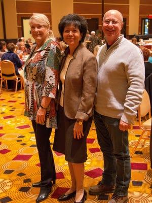 (L-R) Event chair Phyllis Greene, Gilda's president and CEO Maria Elena Geyer, Gilda's Board chairman Paul D. Golden.