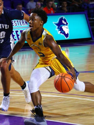 Lehigh's Bershard Edwards scored 20 points and had 5 assists in the Lightning's 77-70 loss to Gulliver Prep Tuesday, Dec. 19, 2017, in the Culligan City of Palms Classic at Suncoast Credit Union Arena.