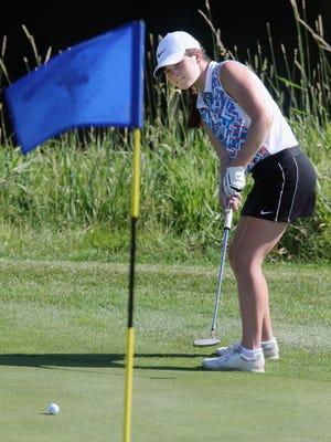 Lauren Briggs putts during the second day of the 2020 Iowa Junior Amateur Championship, Thursday June 18, 2020 at the Sprit Hollow Golf Course.