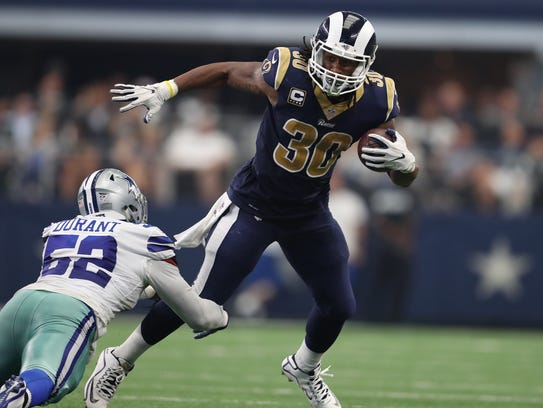 Los Angeles Rams running back Todd Gurley (30) runs