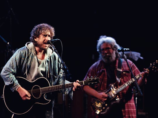 Bob Dylan and Jerry Garcia perform at Day on the Green