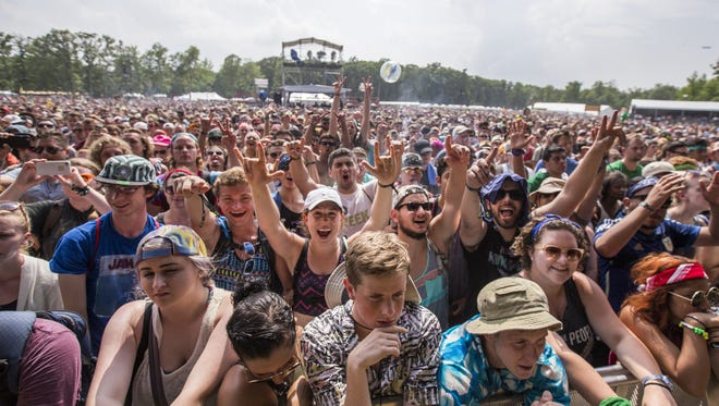 Fans cheer as Gary Clark Jr. performs on The Main Stage at Firefly in 2015.