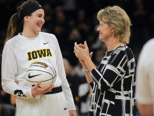 636463771813147491-171115-01-Iowa-vs-NIU-womens-basketball-ds.jpg