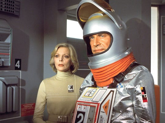 Barbara Bain and Martin Landau in 'Sapce' 1999.
