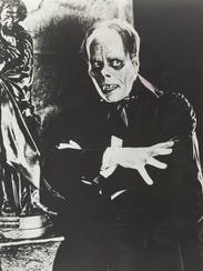 "Lon Chaney as ""The Phantom of the Opera""