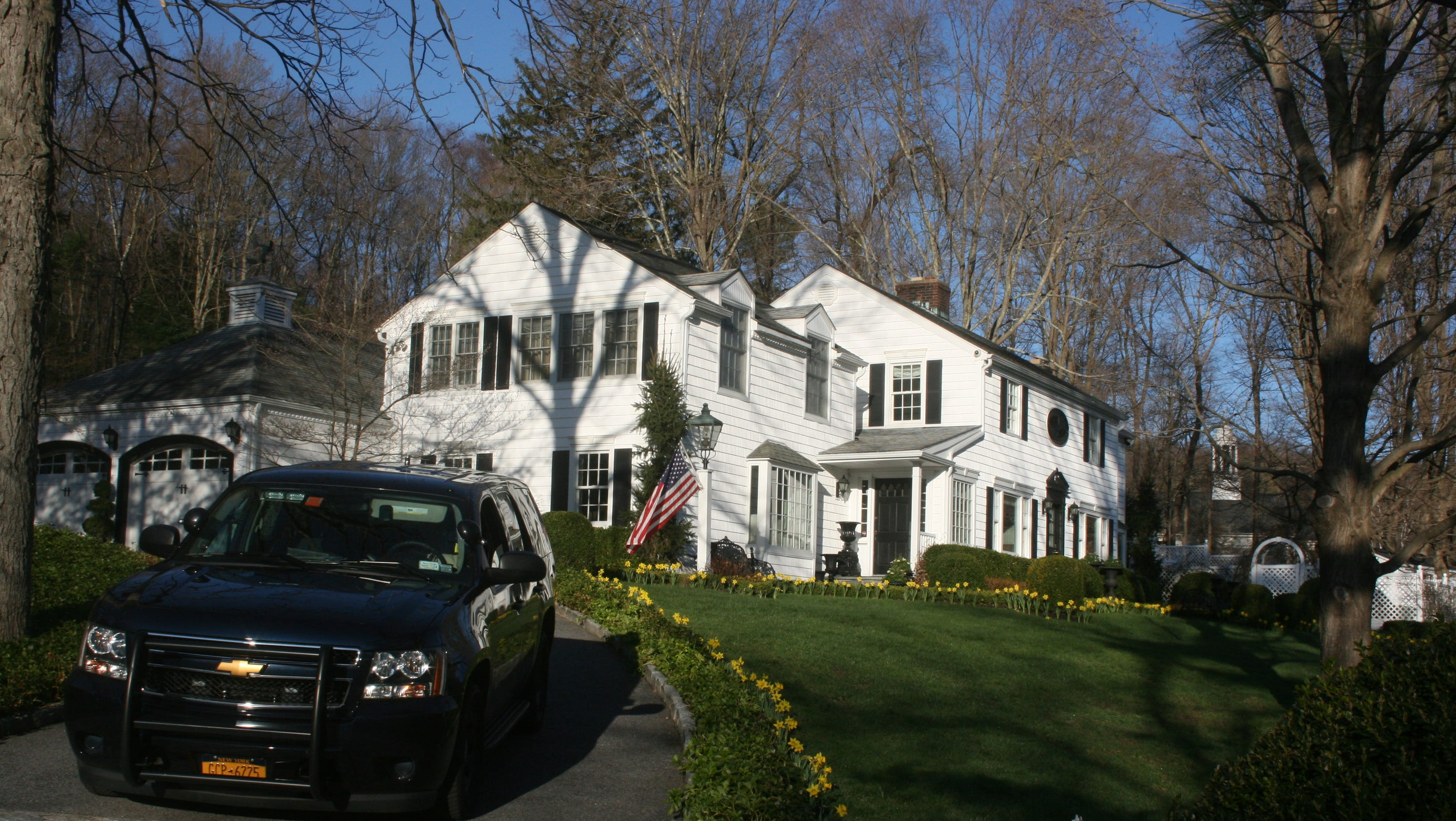 N y assessor questions sandra lee cuomo home upgrades for Lee homes
