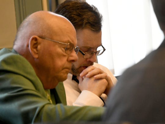 Accused killer shawn Grate and his attorney Robert