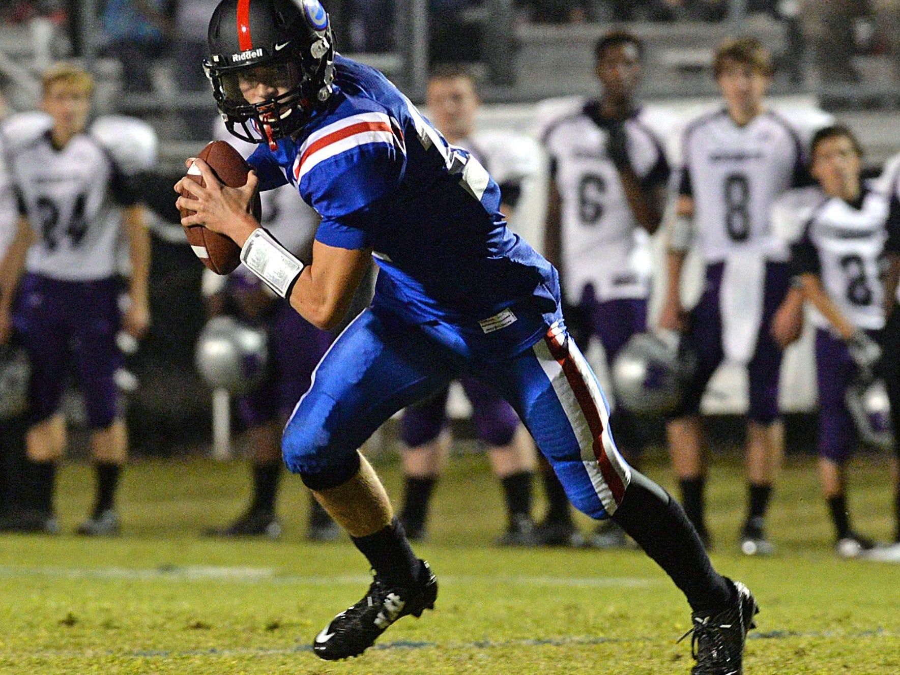 Evangel quarterback Connor Curry threw four touchdown passe