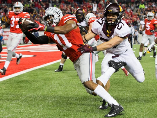 Ohio State safety Vonn Bell dives for the end zone