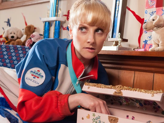 Melissa Rauch is a foul-mouthed, washed-up Olympian in 'The Bronze.'