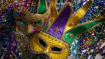 The Jefferson Parish Council has given permission to the new all-female Krewe of Athena to roll in Metairie during the 2015 Mardi Gras season.