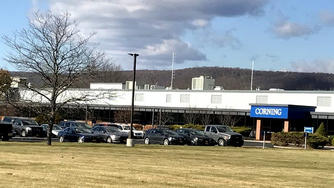 Corning Inc. will add 185 new jobs to manufacture Valor Glass at its Big Flats facility.